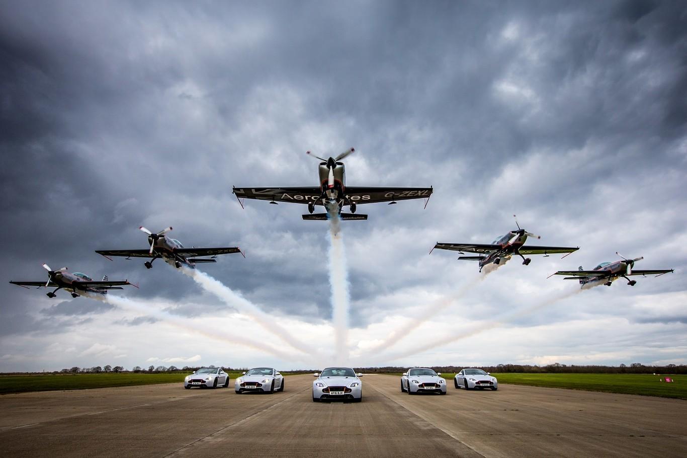 La serie Aston Martin Wings despega