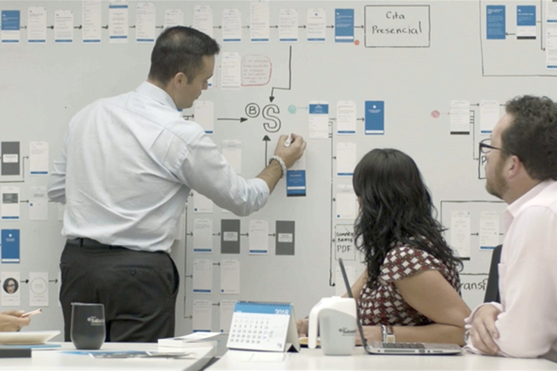 Banco Sabadell firma con IBM un acuerdo para desarrollar su estrategia de nube híbrida e innovadores servicios digitales