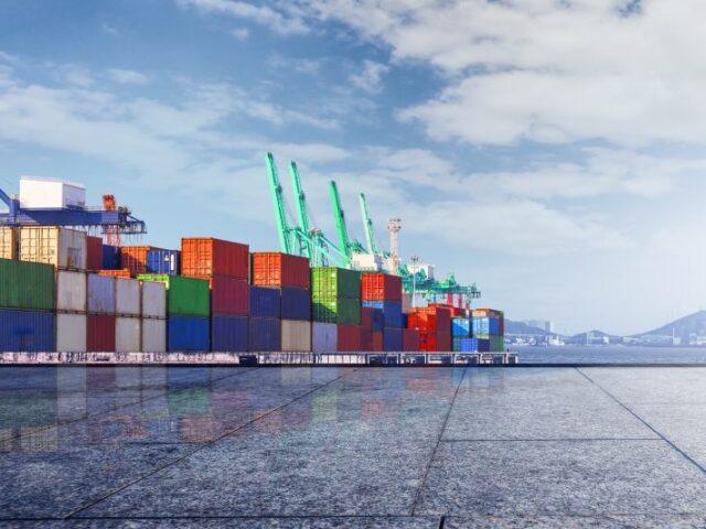 España exportó 242.461 millones entre enero y octubre