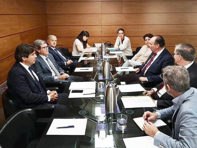 La Comisión de Puertos de la Cámara de España reclama la creación de una Secretaría de Estado de Puertos del Estado