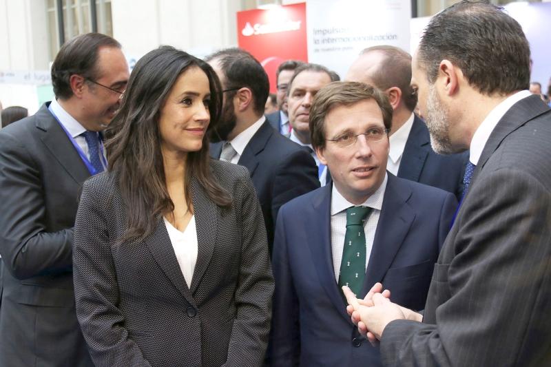 Cibeles acoge la feria de negocio y comercio internacional más importante del país