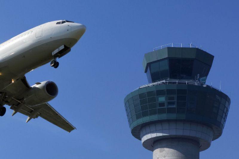 Indra moderniza las infraestructuras de navegación aérea de Uzbekistán
