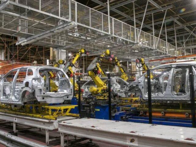 La exportación de vehículos en España cae en abril a mínimos históricos