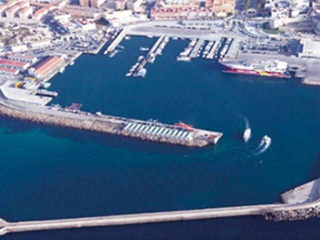El tráfico portuario desciende un 25% en mayo
