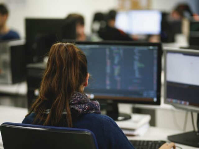 España coordinará el proyecto EUHubs4Data que acompañará a las empresas hacia la digitalización