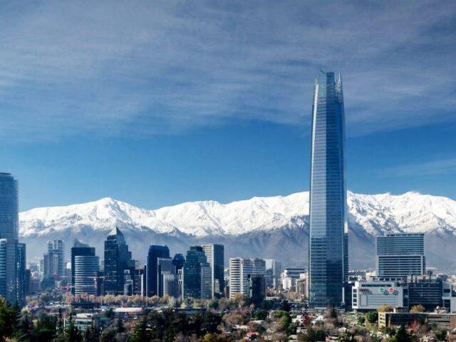 El Secretario de Estado Manuel Muñiz resalta el potencial de la relación de España con Chile