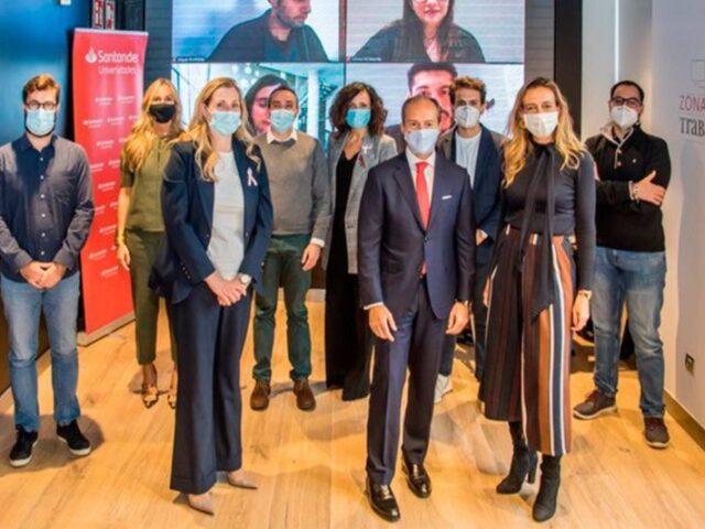 El consejero delegado de Santander España asesora a jóvenes emprendedores
