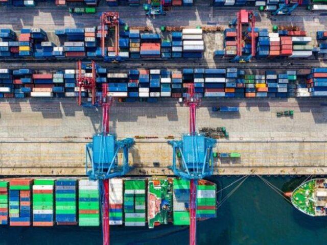 España confía en que EE.UU. retire sus aranceles a los productos españoles