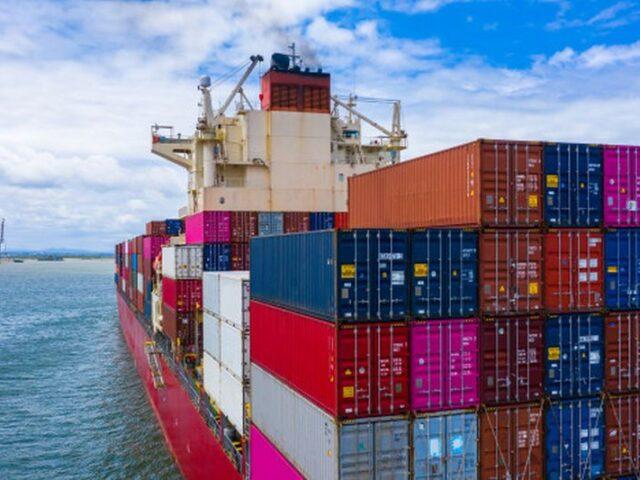 Las exportaciones de los sectores de alimentación y automóvil muestran tres meses de crecimiento