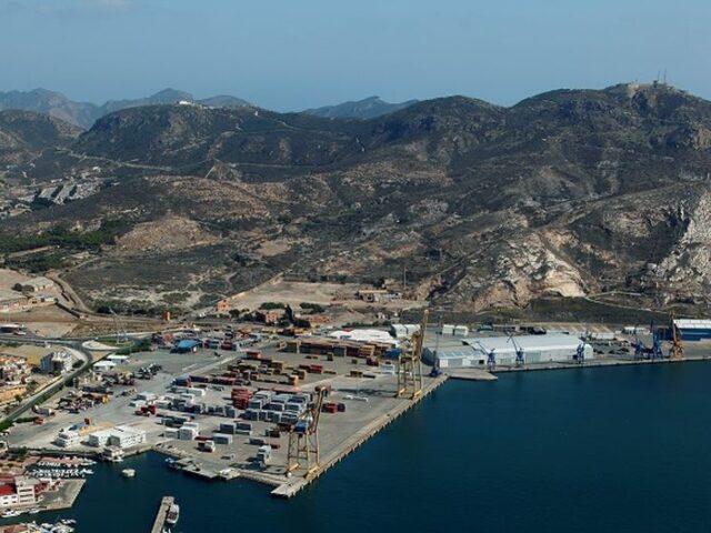 Los puertos españoles movieron 382 millones de toneladas hasta septiembre