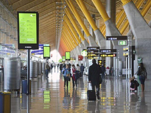 Los aeropuertos de la red de Aena registran en septiembre casi un 80% menos de tráfico
