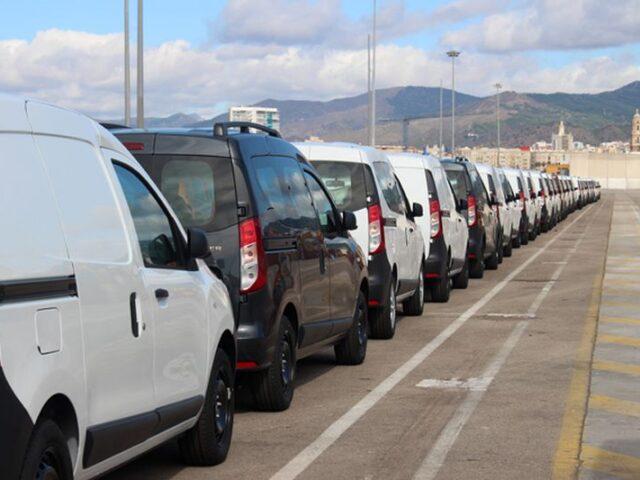 El tráfico de importación de vehículos se recupera en el Puerto de Málaga