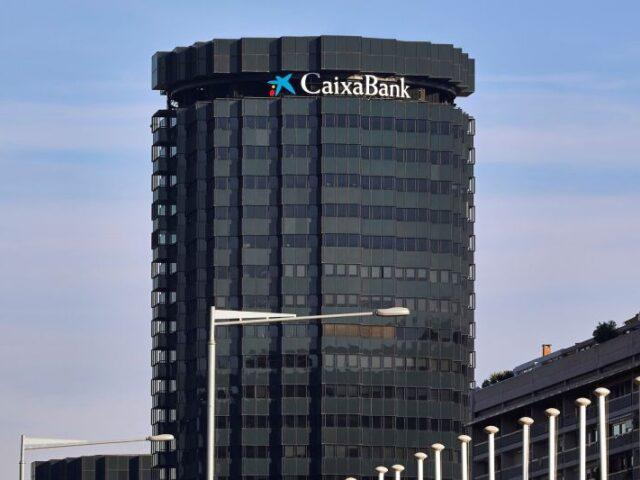 La OMT reconoce a Caixabank por su apoyo al sector turístico