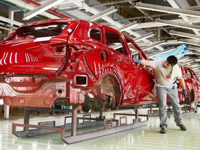 La exportación de automóviles sigue creciendo por encima de la producción