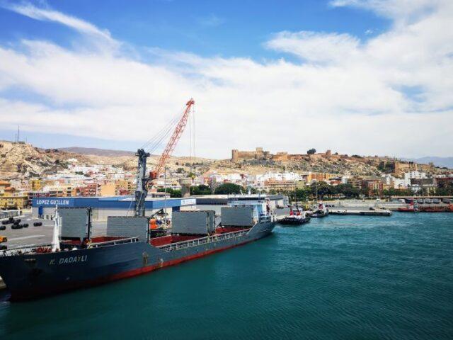 El tráfico de los puertos españoles se recupera gradualmente