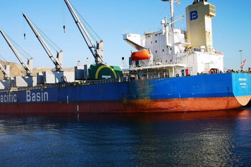 incremento-de-la-exportacion-de-mercancias-en-el-puerto-de-almeria-y-caboneras
